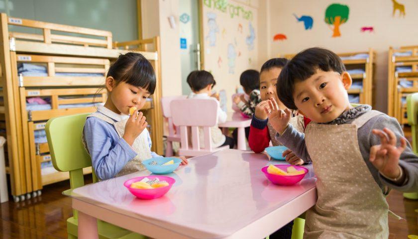 Enfants gardés par une Nounoutop